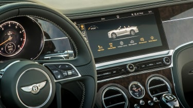 Bentley Continental GT Convertible - infotainment