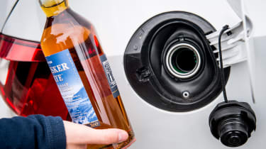 Whisky fuel feature - fuel filler