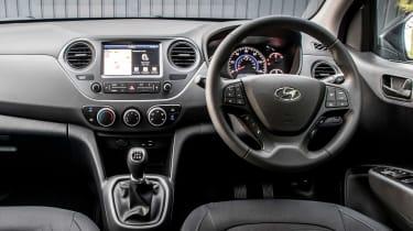 Hyundai i10 Play - dash