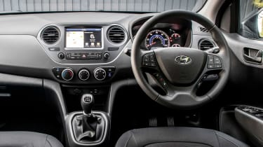 Hyundai i10 Play - dash