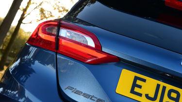 Ford Fiesta - brake light