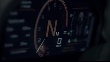 McLaren 720S - instruments