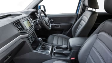 Volkswagen Amarok pick-up 2016 - interior 3