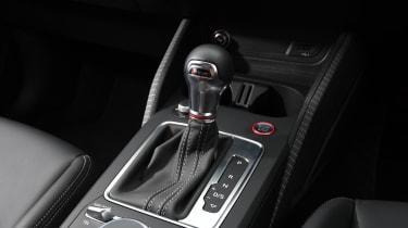 Audi SQ2 - gear