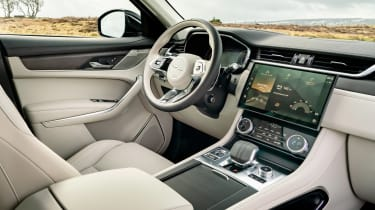 Jaguar F-Pace PHEV - dash