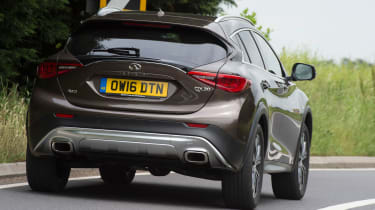 Infiniti QX30 2016 - rear cornering
