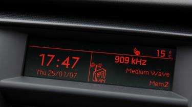 Peugeot 508 SW display