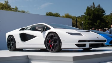 Lamborghini Countach - show front