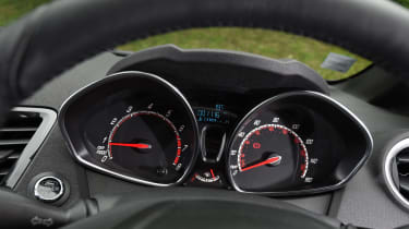 Ford Fiesta ST200 - instruments