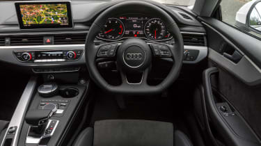 Audi A5 Coupe 2.0 TDI - dash