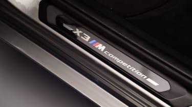 BMW X3M - sill