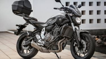 Yamaha MT-07 review - stand carrier