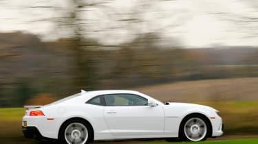 Chevrolet Camaro panning