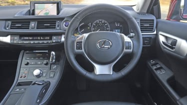 Lexus CT200h interior