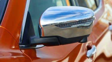 Nissan X-Trail Platinum Edition - mirror