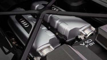 Audi R8 - engine
