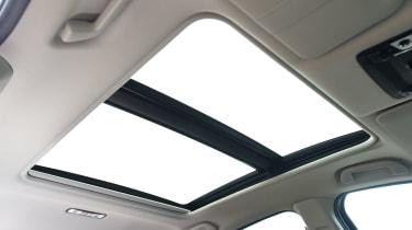 Honda HR-V - panoramic sunroof