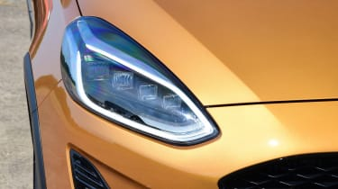 Ford Fiesta Active - front light