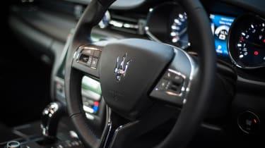 Maserati Quattroporte - steering wheel