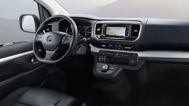 Vauxhall Vivaro Life - dash