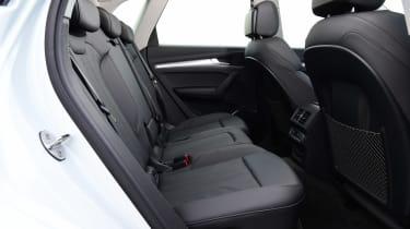 Audi Q5 40 TDI - rear seats