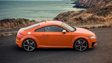 Audi TT S - side