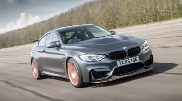 BMW M4 GTS UK 2016 - front tracking