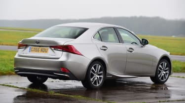 Lexus IS 300h - rear static