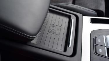Audi Q5 - cup holder lid