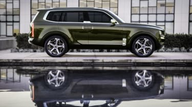 Kia Telluride - side profile press