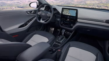 Hyundai Ioniq Hybrid - dash