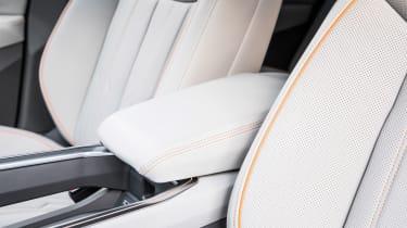 Audi e-tron - seats