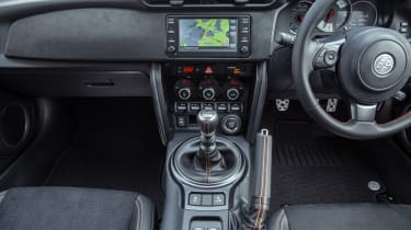 Toyota GT86 Orange Edition - interior