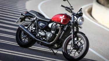 Triumph Street Twin review - front quarter static