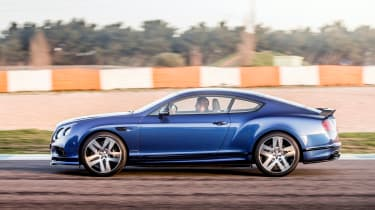 Bentley Continental Supersports 2017 - Moroccan Blue side tracking