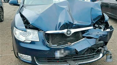 crashed skoda superb