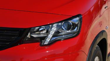 Peugeot Rifter lights