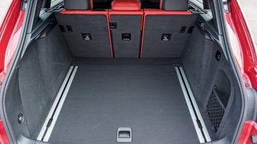 Porsche Macan Turbo - boot
