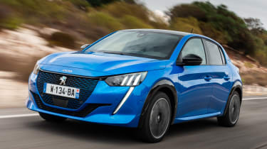 Peugeot e-208 - front tracking