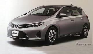 Toyota Auris spy front