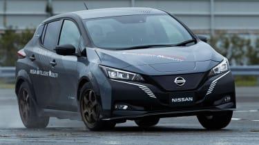 Nissan Leaf 4x4 e-4ORCE - front cornering