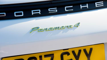 Porsche Panamera 4 E-Hybrid - Panamera 4 badge