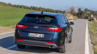 Kia Optima Estate 2016 - rear tracking