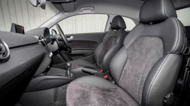 Audi A1 - front seats