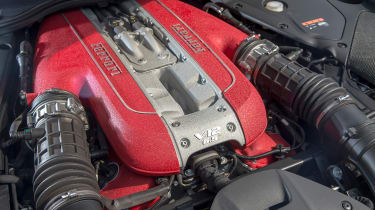 Ferrari 812 Superfast - engine detail