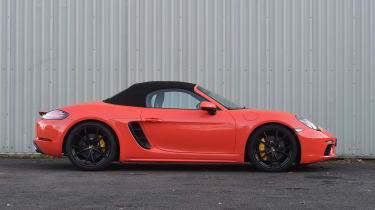 Porsche 718 Boxster S - roof up