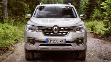 Renault Alaskan - full front static