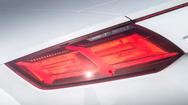 Audi TT Roadster 180 2016 - rear lights