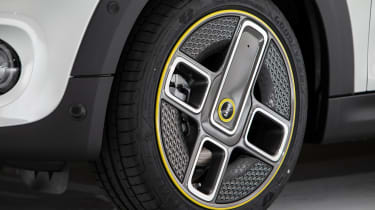 MINI Electric - wheel