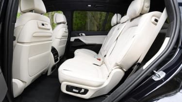 BMW X7 - middle row seats